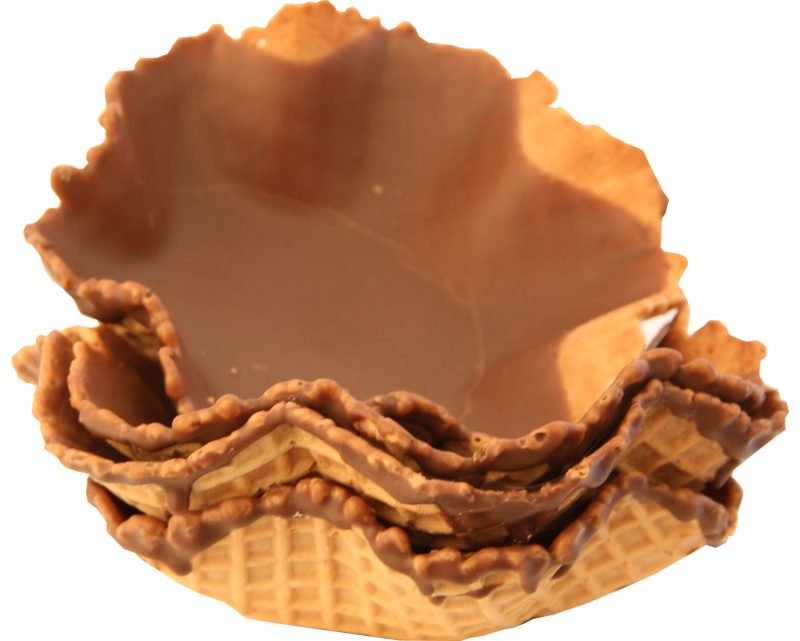 Catering Wafer Baskets Medium size Choc lined 160 per case